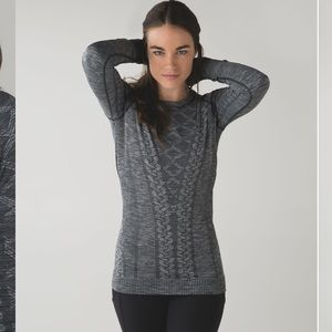 LULULEMON heather gray fitted rest less pullover